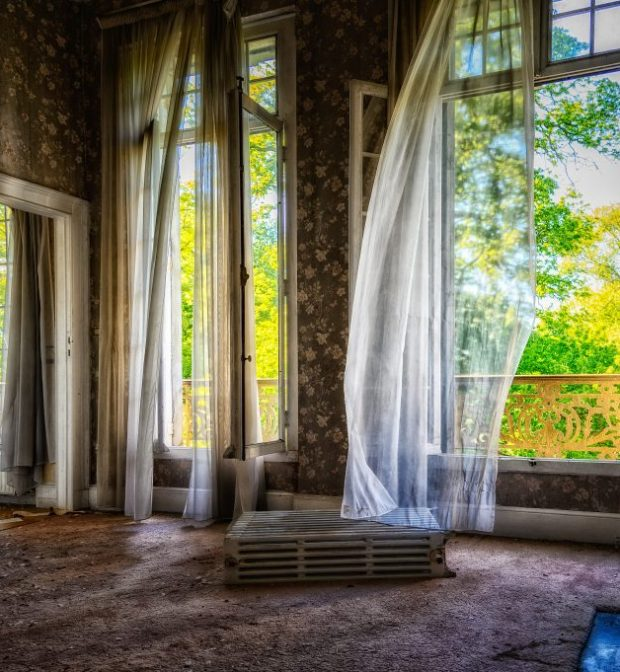 Residential Curtain Cleaning Service